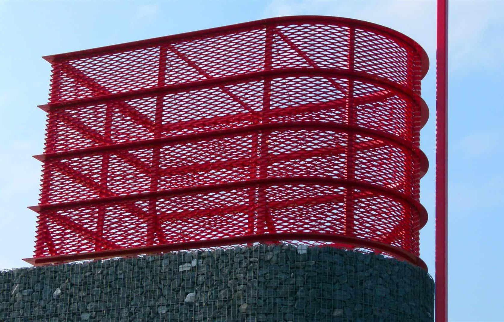 Close-up van de toren van MD Strekmetaal bij de Brandweerpost in Alblasserdam