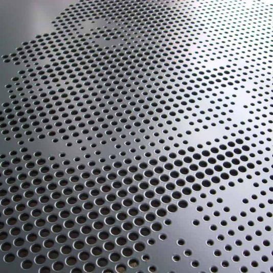 MD Designperforatie type DE130 gevelpaneel met een doorlopend patroon