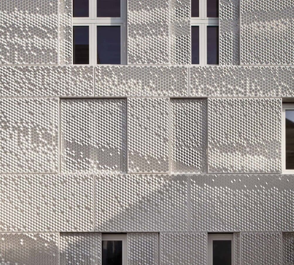 MD Formatura gevelbekleding voor de atelierwoning Tussen de Lakens in Amsterdam