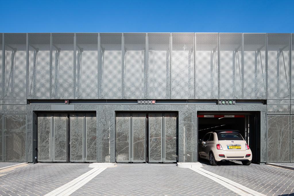 Ingang van de Parkeergarage in Katwijk is uitgerust met MD Designperforatie gevels