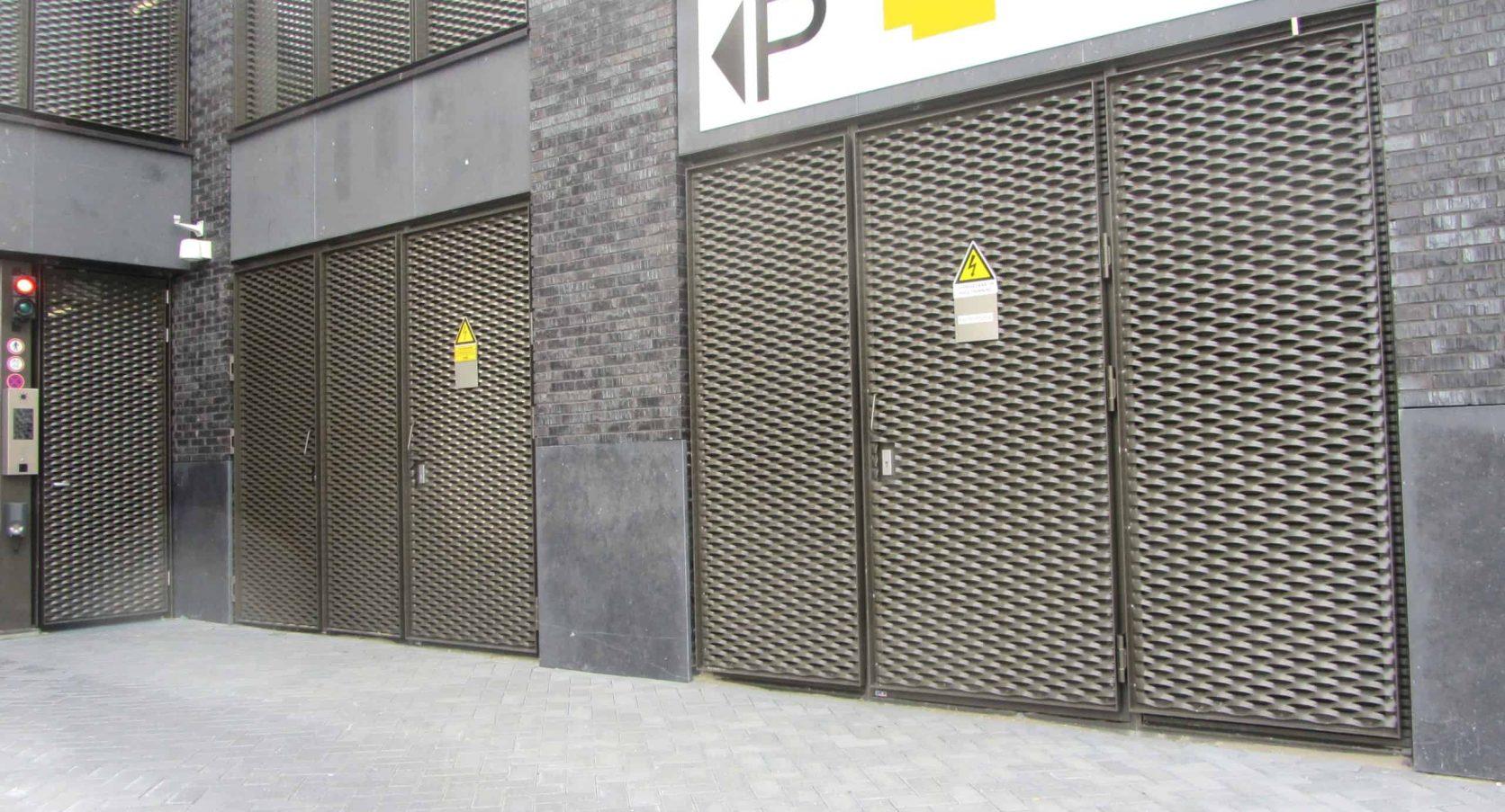Brandwerende toegangsdeuren van MD Strekmetaal van de Parkeergarage Technolution in Gouda