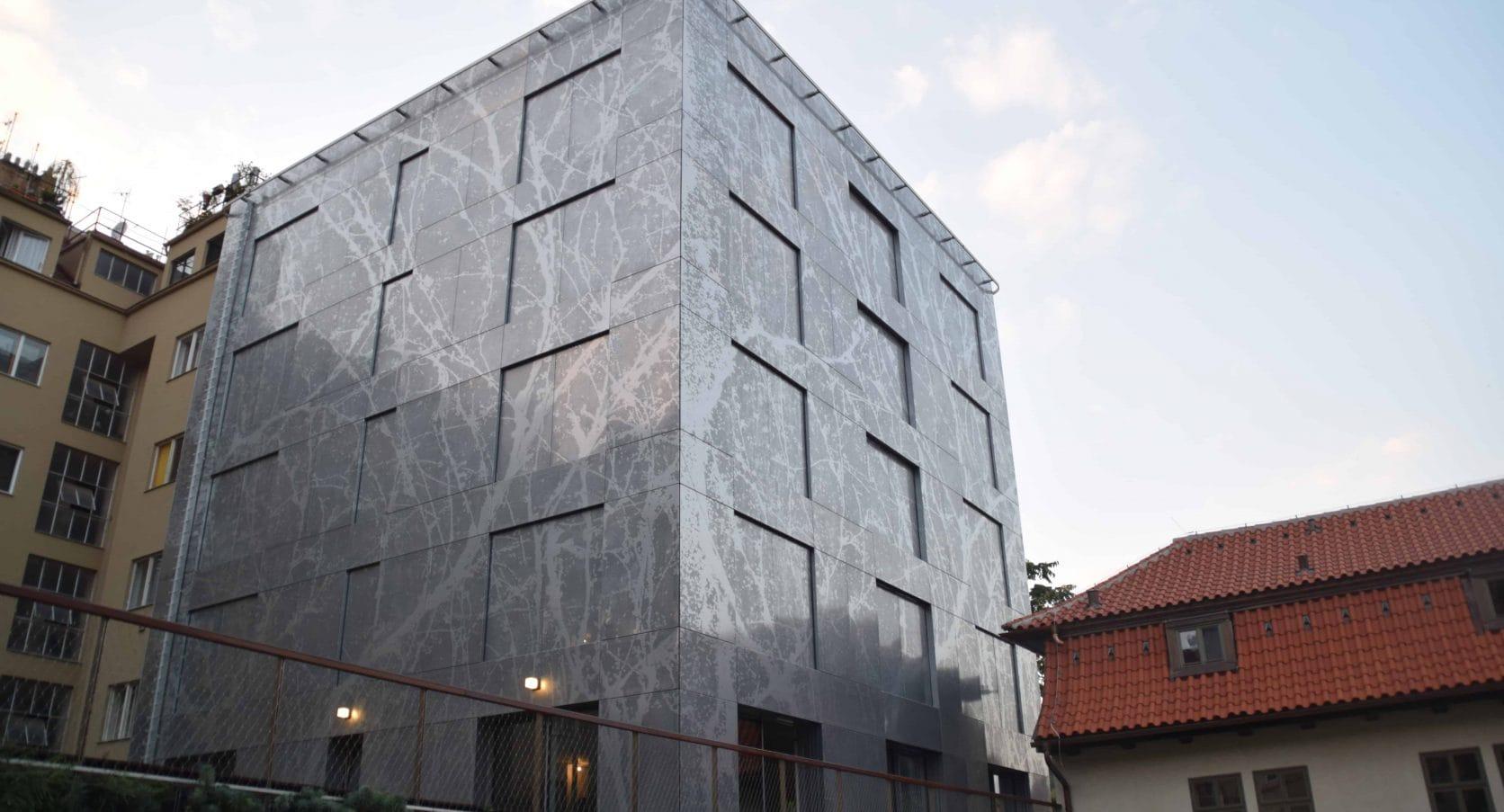 Voorbeeld van het project Old Town Court in Praa met designperforatie