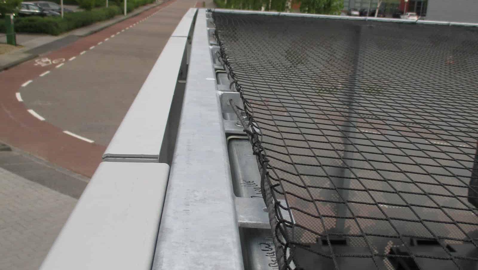 MD Nettick als plafond toepassing van de opslagruimte aan de Paasheuvelweg in Amsterdam