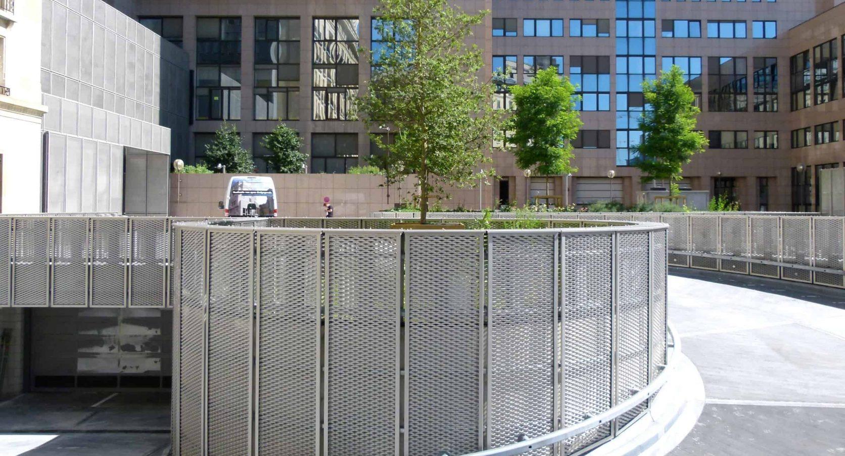 MD Strekmetaal verwerkt in de terreinafscheding bij het Residence Palace in Brussel te België