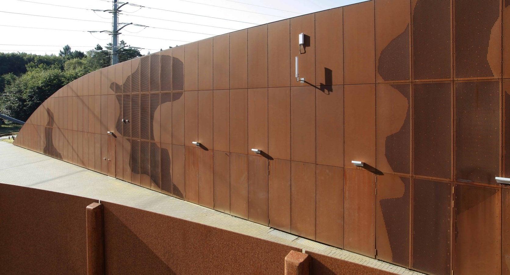 Cortenstaal geperforeerde panelen bij het pompstation van Vitens in Harderwijk