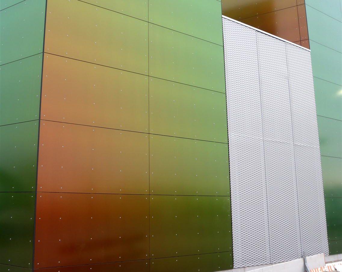 Detail van de MD Strekmetaal panelen bij het Warmtestation in Delft