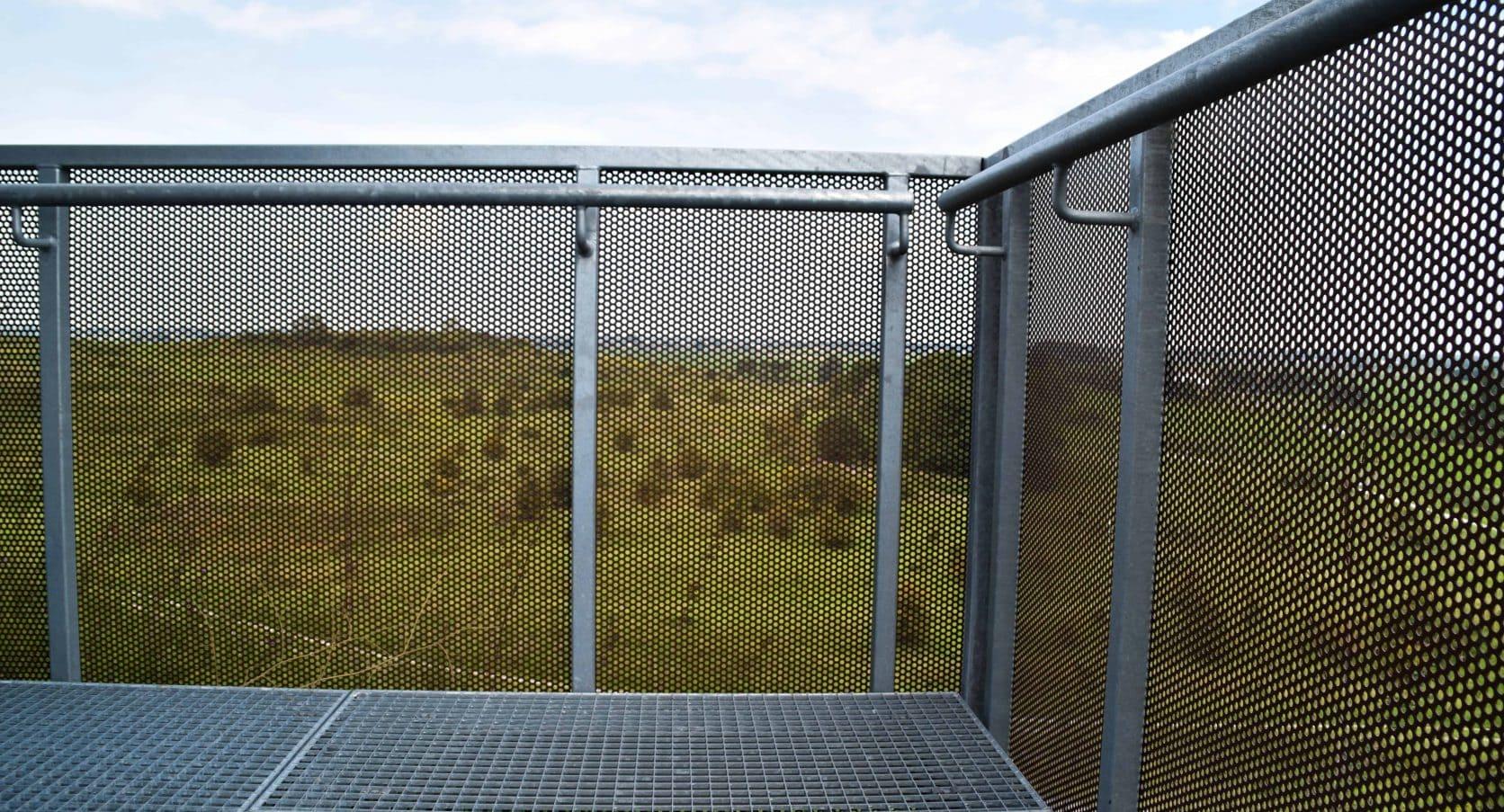 Uitzichttoren gemaakt van MD Designperforatie bij SnowWorld in Zoetermeer