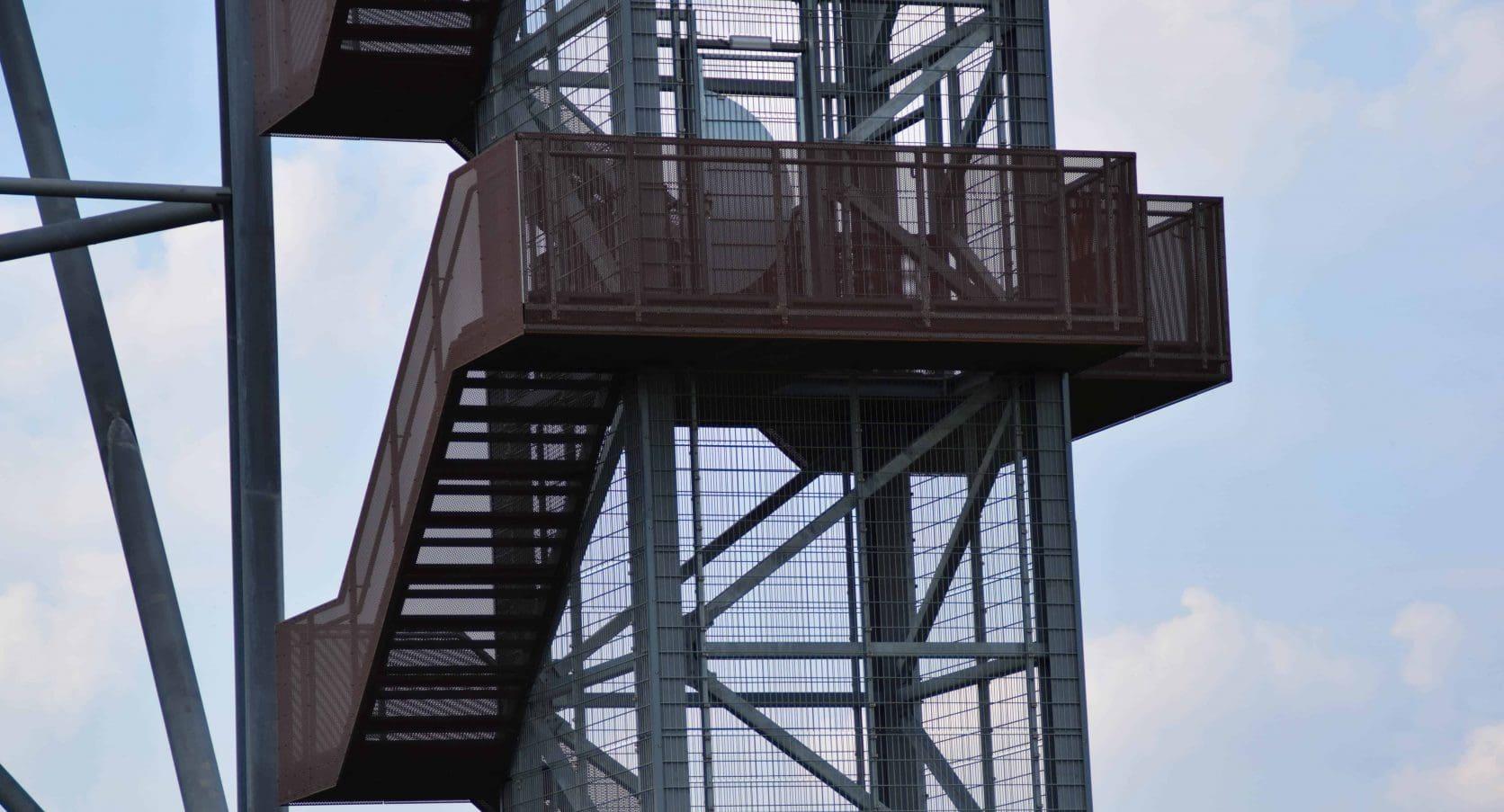SnowWorld in Zoetermeer uitgerust met een trap van geperforeerd staal met corton look