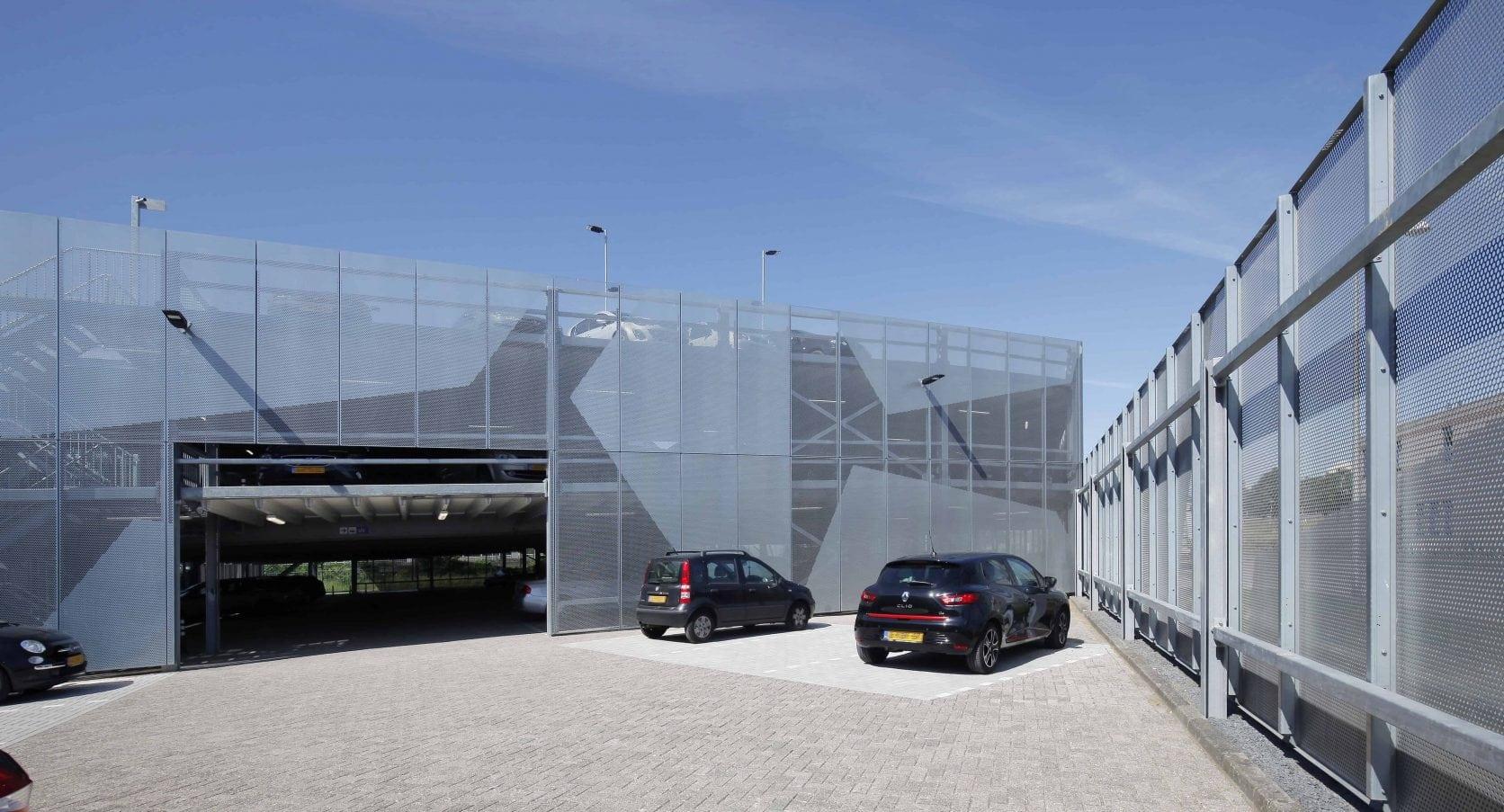 Detail van een MD Designperforatie gevel bij Parkeergarage Zeeman in Alphen a/d Rijn