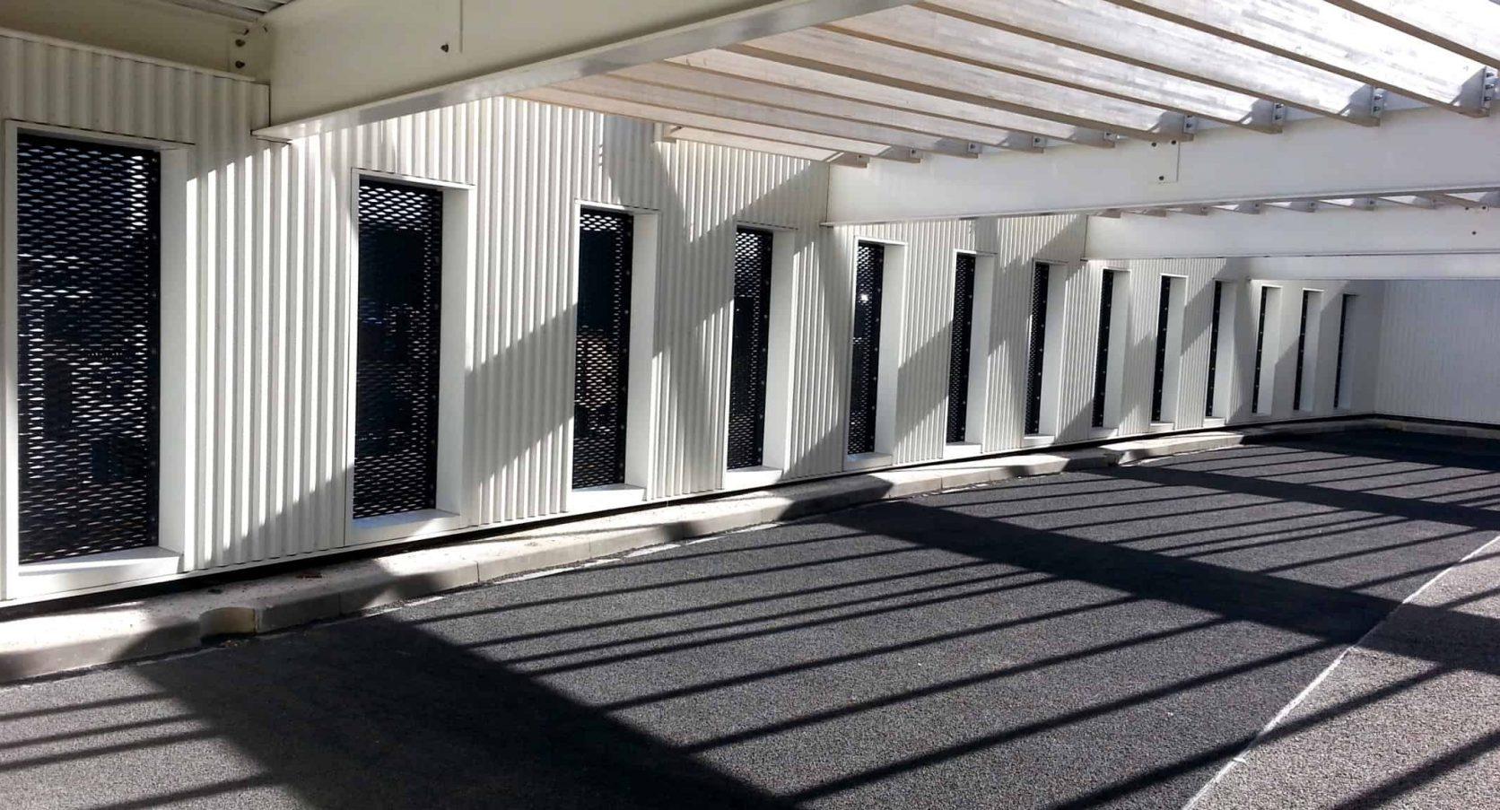 Het Stadhuis in Almelo schittert met een MD Strekmetaal gevel
