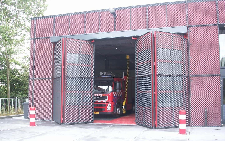 MD Strekmetaal bewegende luiken bij de Brandweer in Nieuwdorp