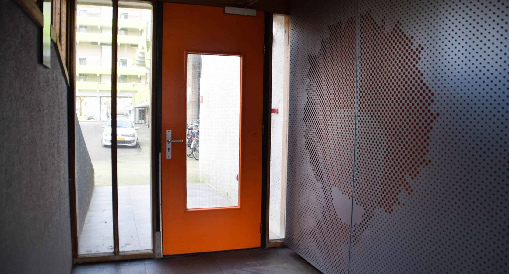 MD Designperforatie met patronen als interieurbekleding bij de woontorens Tuindorp West in Utrecht