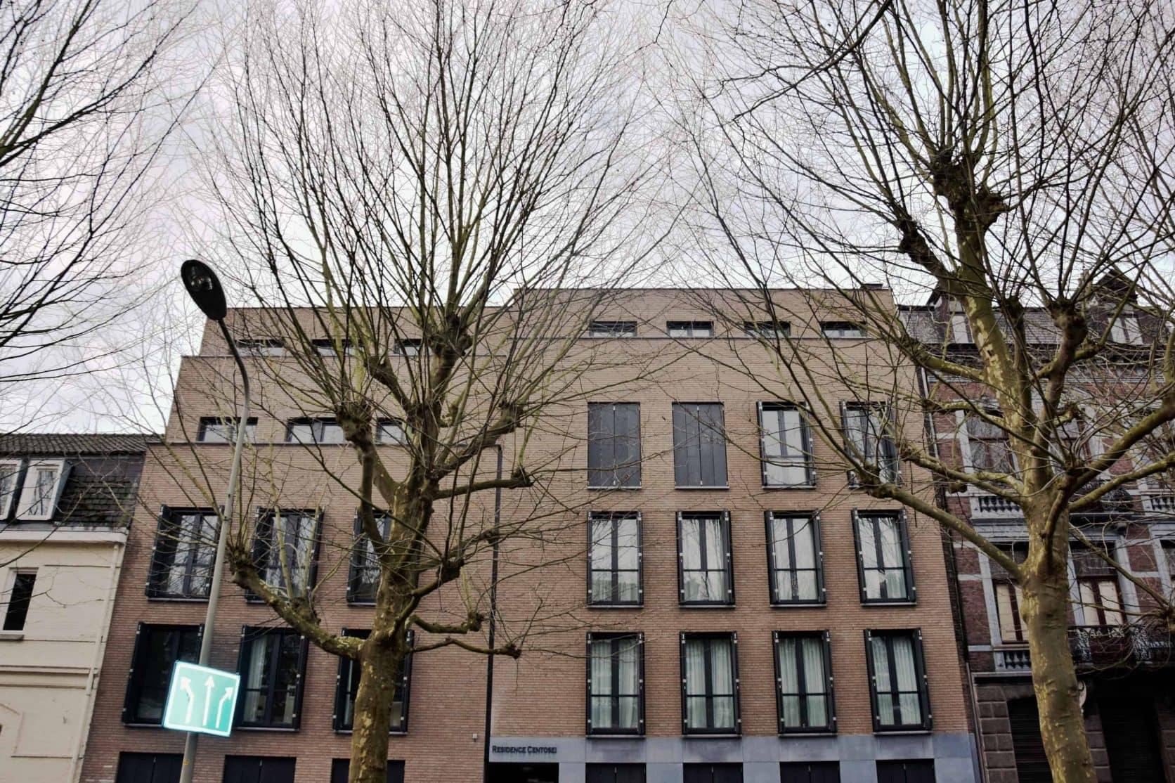 Voorkant van het appartementencomplex aan de Wilhelminasingel in Maastricht, uitgerust met MD Designperforatie