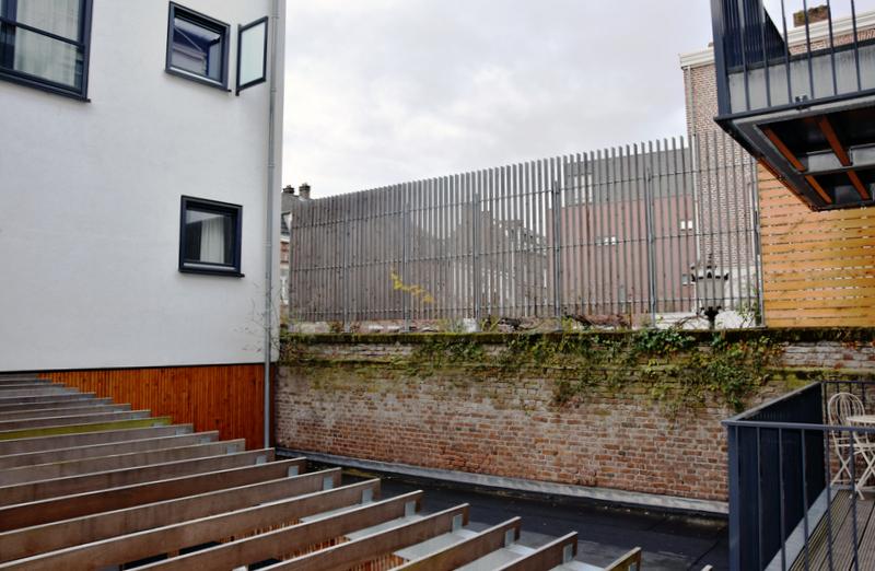 Lamellen voor de erfafscheiding van Appartementencomplex aan de Wilhelminasingel in Maastricht