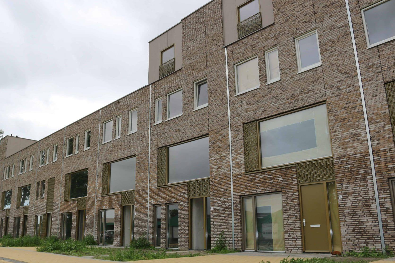 Vooraanzicht van de MD Formatura gevel bij Stadswerf Kade in Groningen