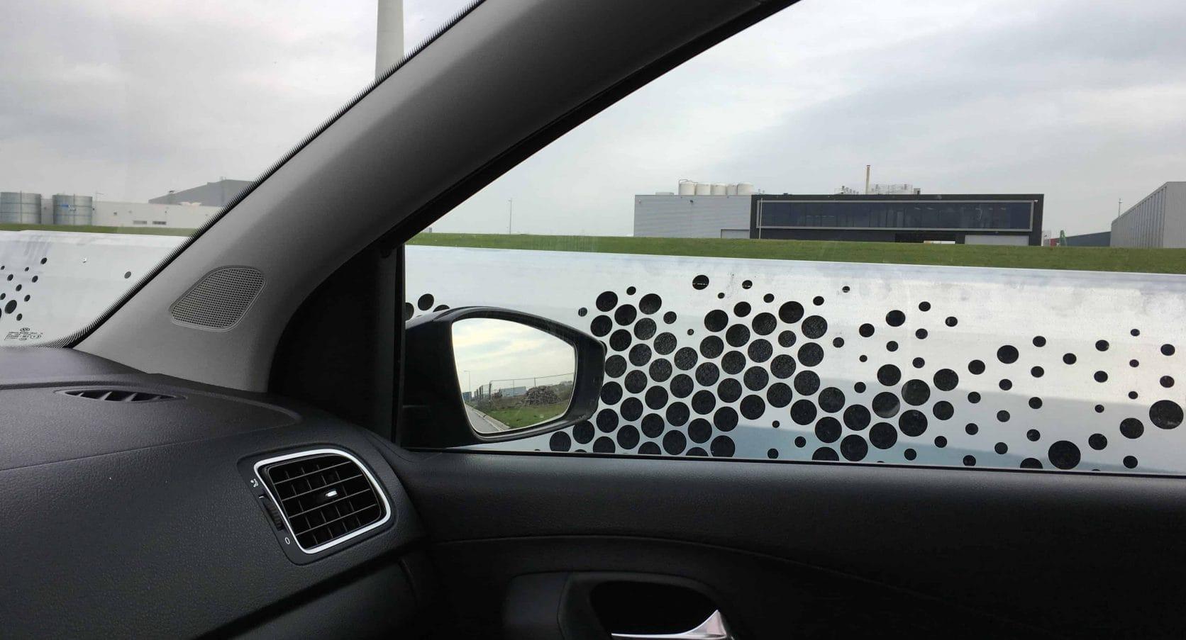 Detail Geluidsrail vanuit de auto