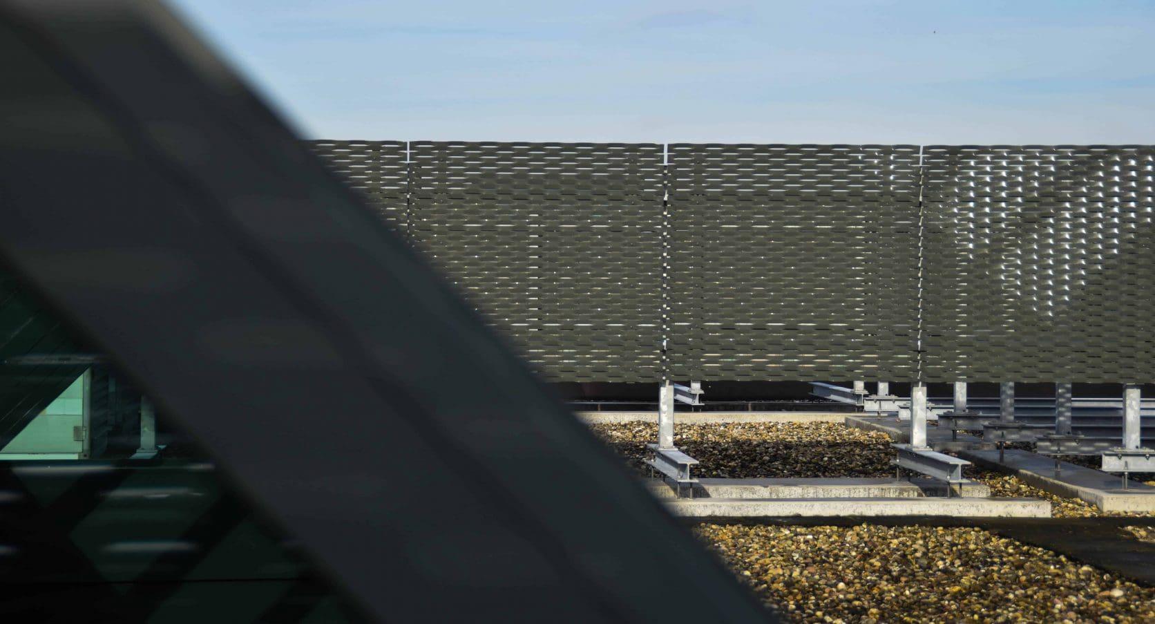 MD Strekmetaal dakopbouw van het kantoorgebouw aan de Ortelisalaan in Utrecht