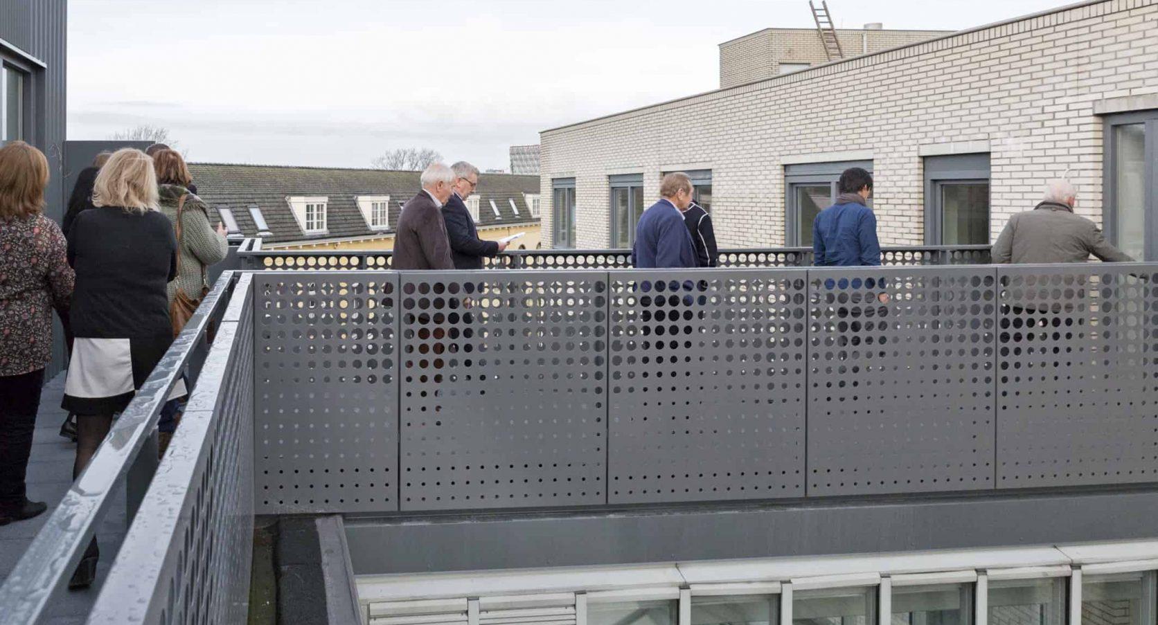 Detail balustrade bij Appartementencomplex Agnietenstraat in Gouda met MD Designperforatie