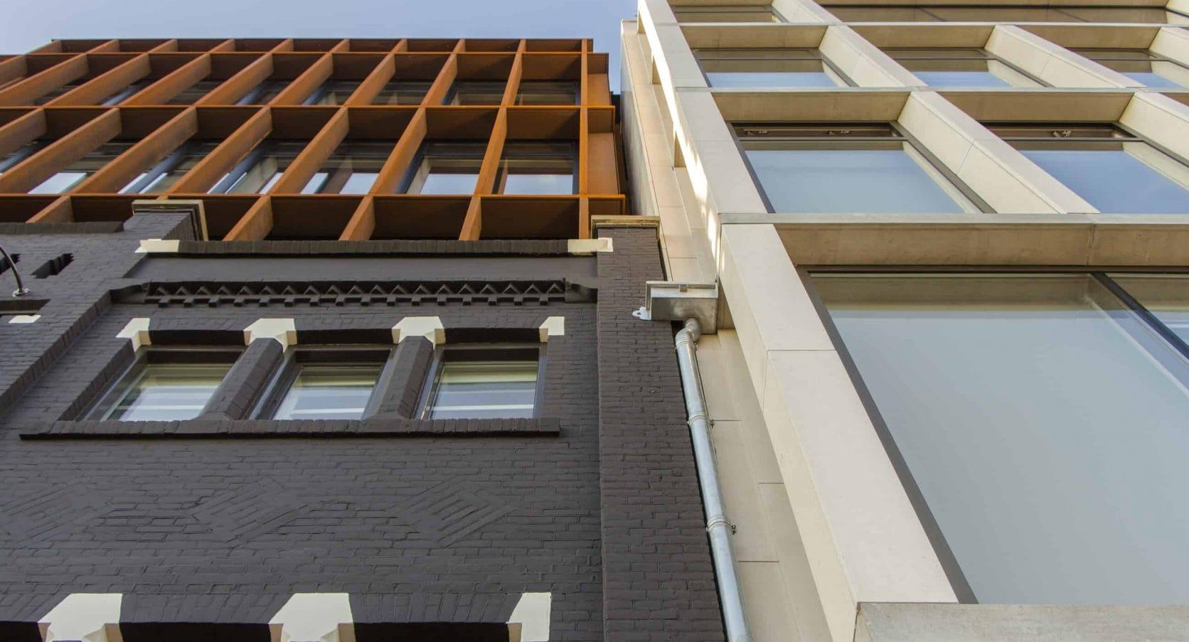 MD Flack gevel met cortenstaal voor hotelappartementen aan de DeRuyterkade in Amsterdam