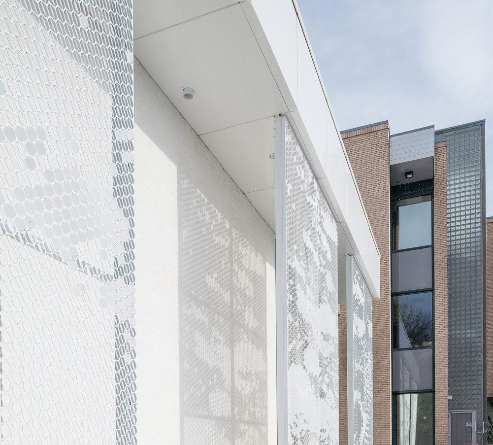 Detailfoto van project Waadhoeke te Franeker van perforatie paneel MD Formatura