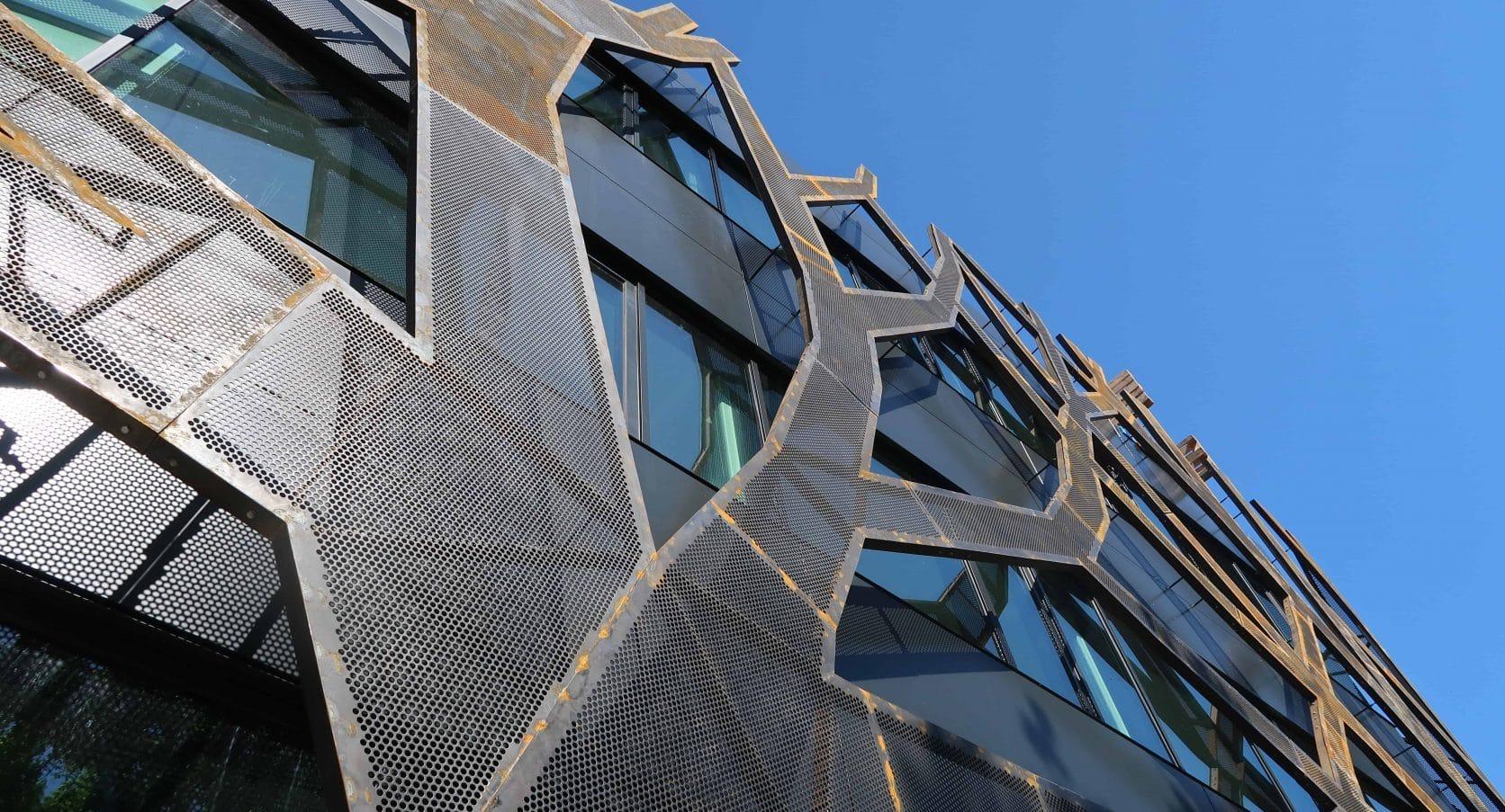 MD Designperforatie voor boomstructuurgevel bij Graafschap College in Doetinchem
