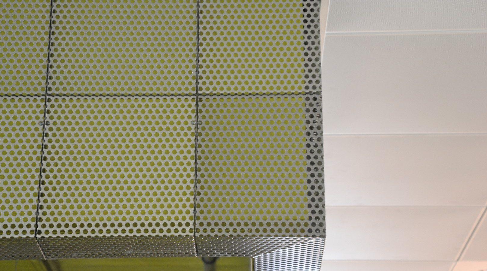 Hoekdetail interieurbekleding Amstelcampus Amsterdam MD Designperforatie