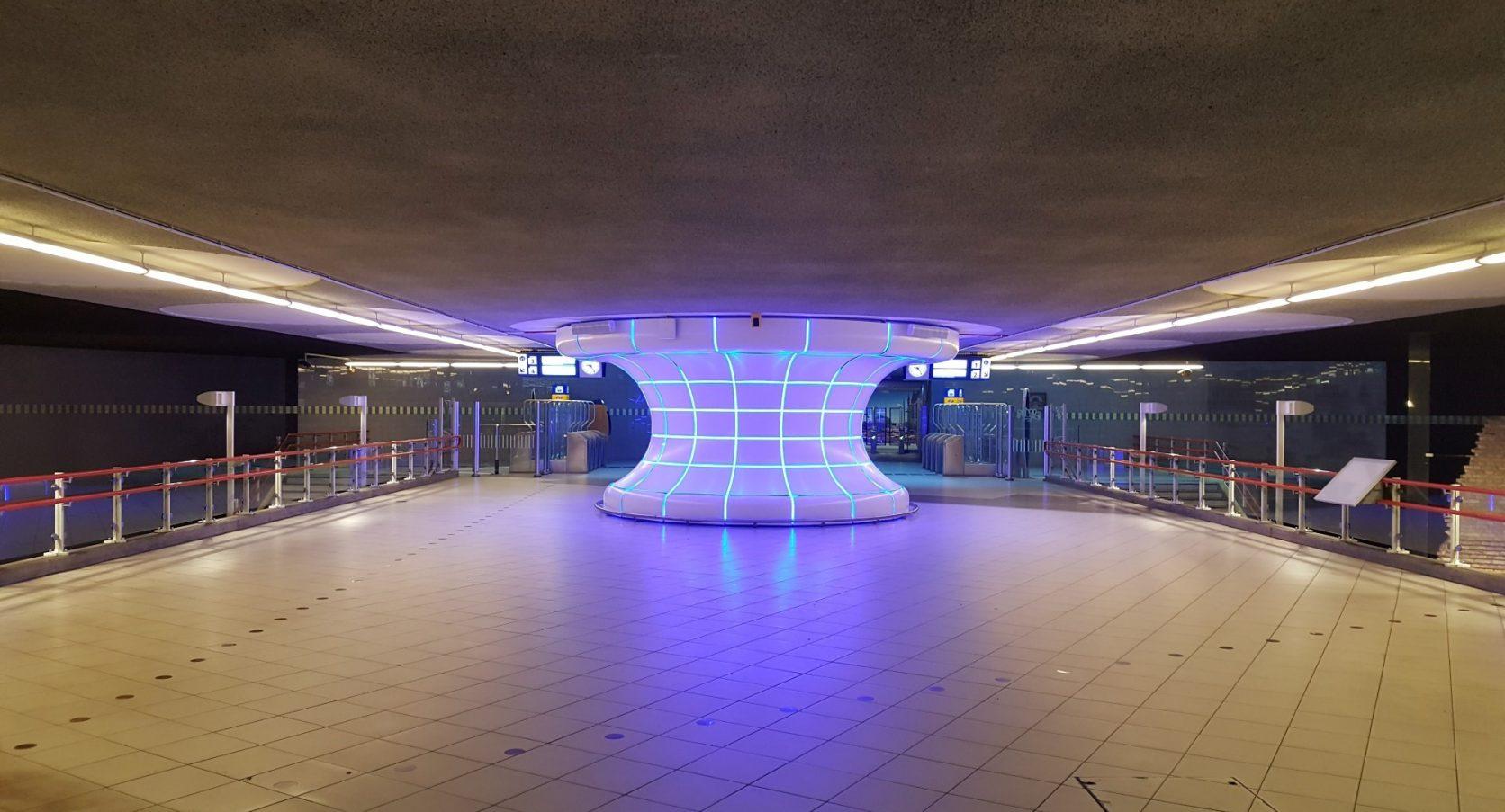 Ombouw kolom MD Shapes Station Blaak Rotterdam