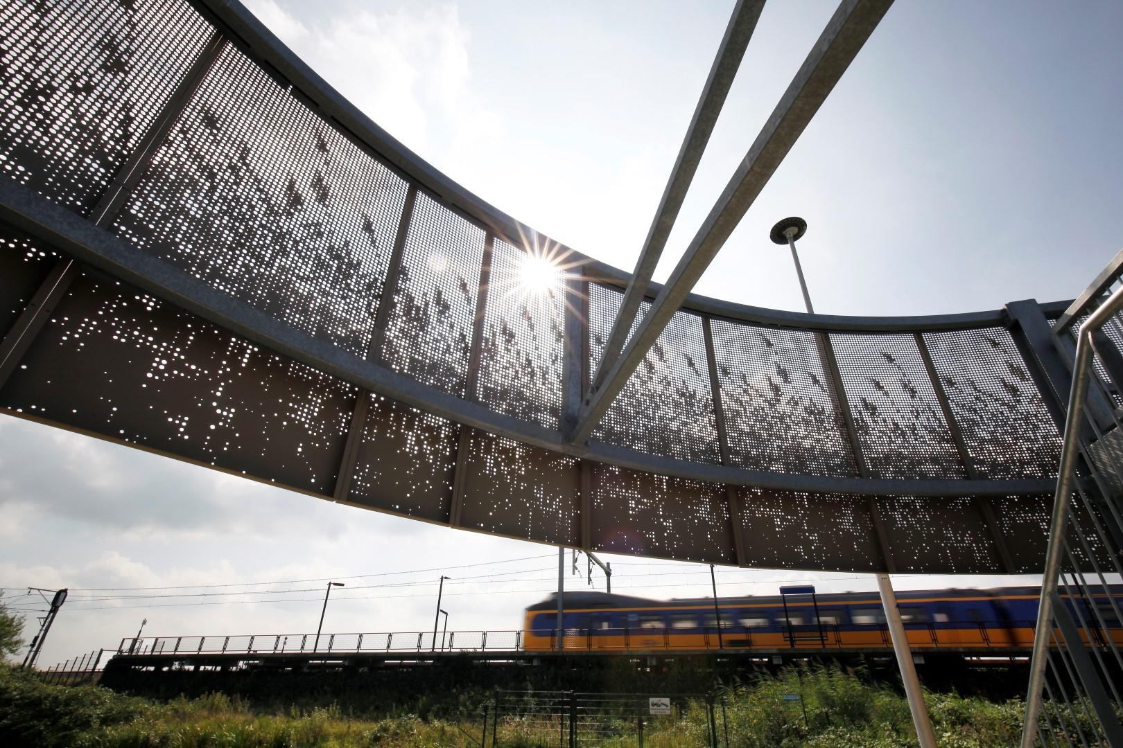 Zonlicht komt door de MD Designperforatie bij de Parkeergarage in Sassenheim