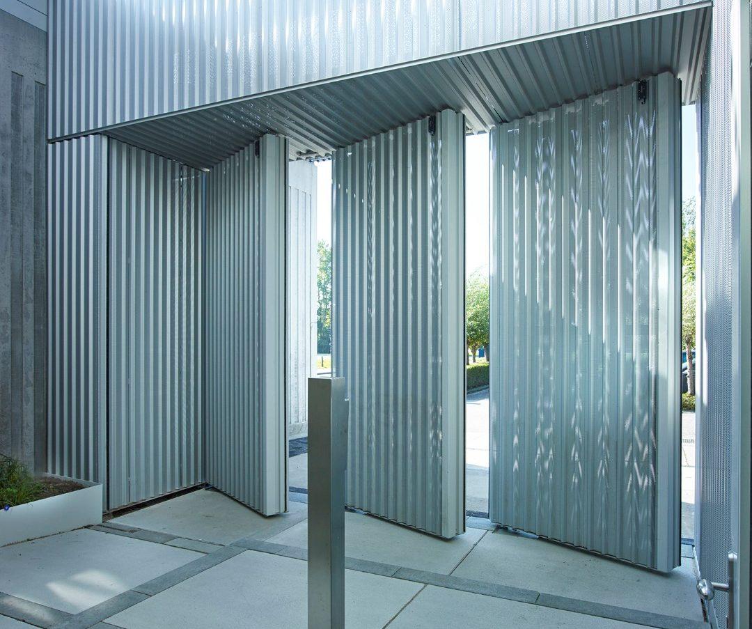 Taatsdeuren gesloten aluminium Pieter Baan Almere
