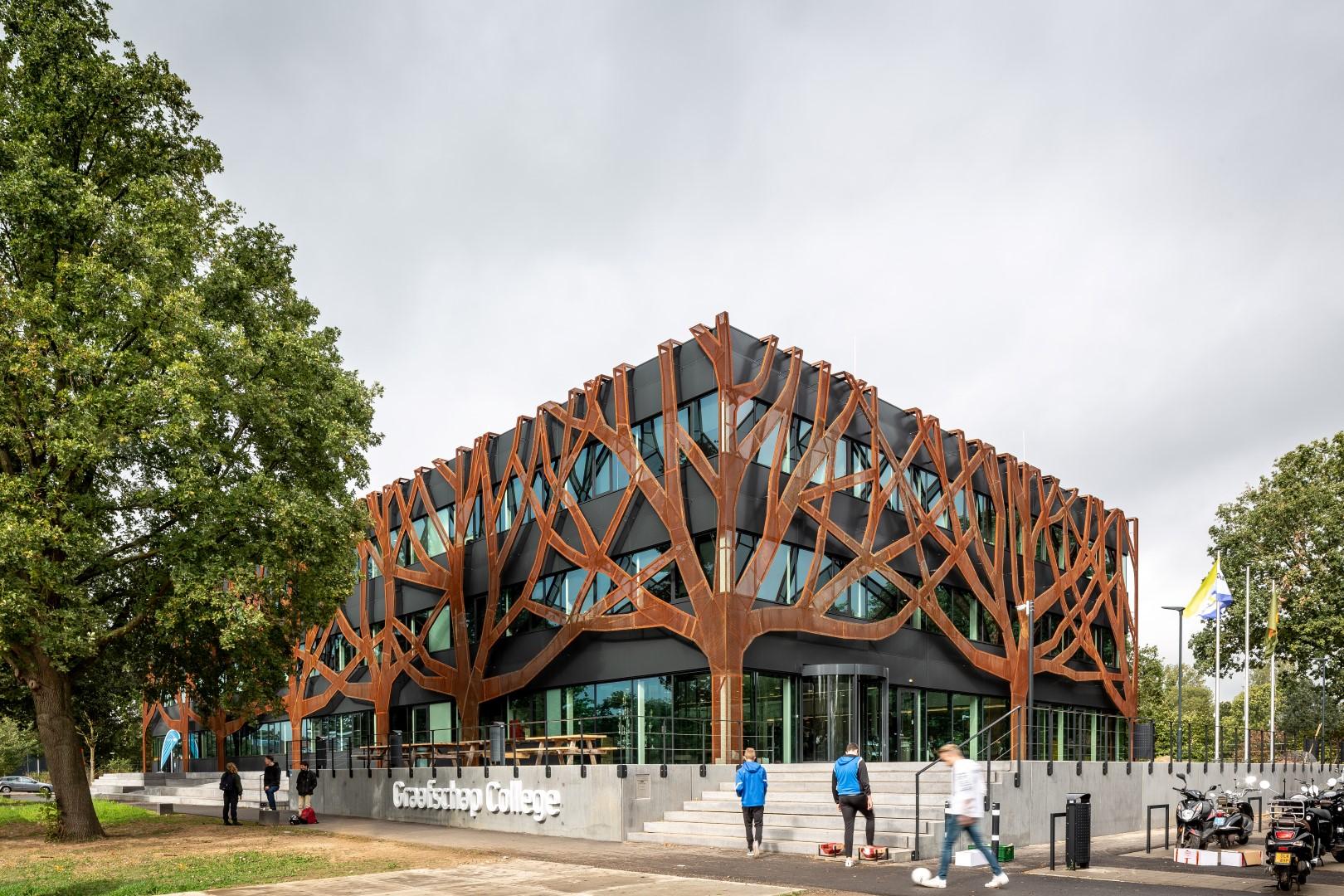 Blog over de boomgevel van Graafschap College Doetinchem die reageert op de context