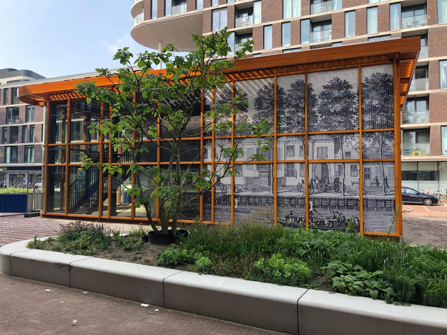 Zijdebalen Paviljoen strekmetaal panelen zijkant groen