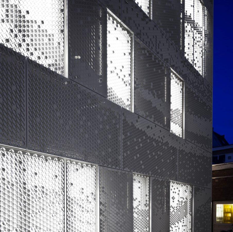 Gastblog Cris Kabel facadebynight