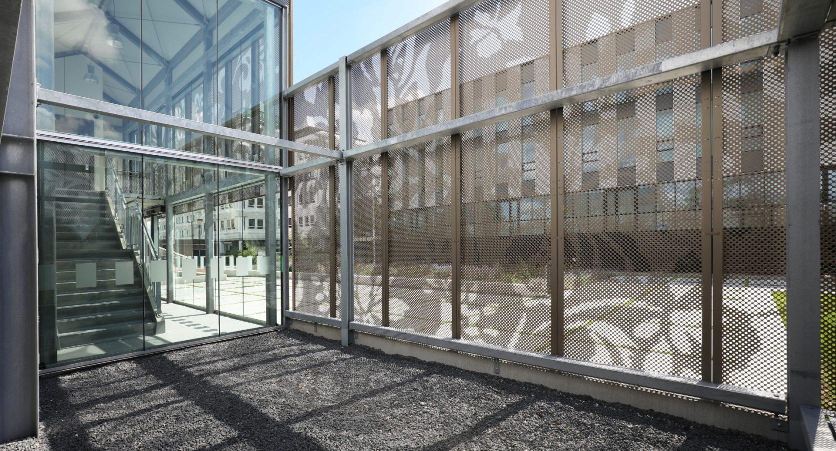 Detail panelen ingang Parkeergarage Revius Leeuwarden