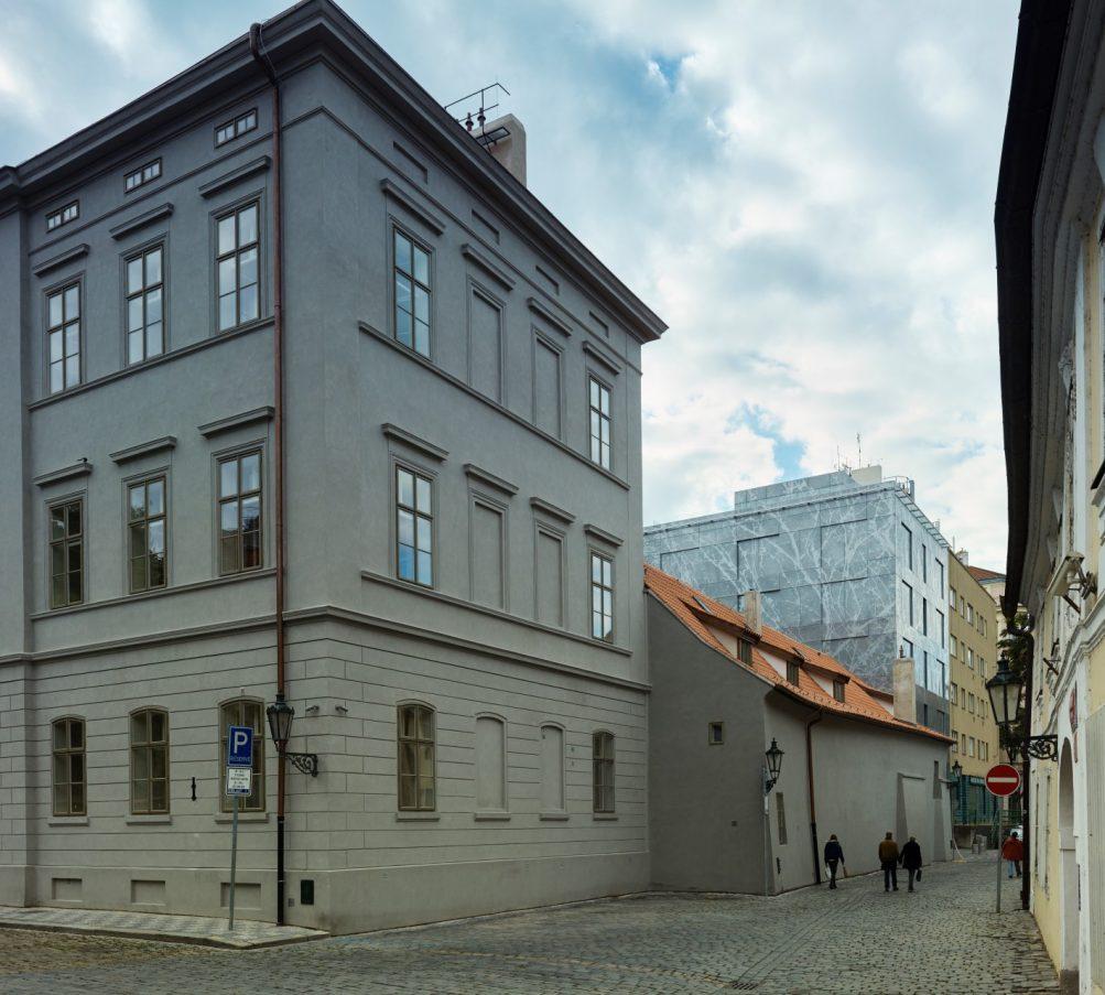 Gastblog Caroline Kruit Dansen door de stad Old Town Court Praag