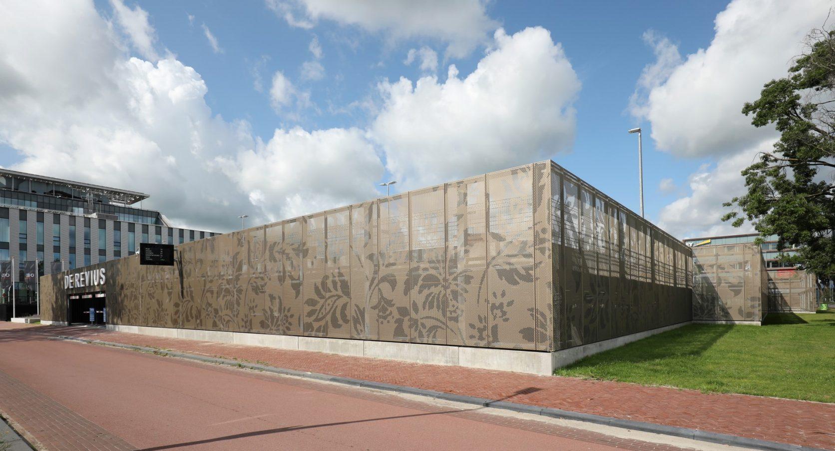 Vooraanzicht Parkeergarage Revius in Leeuwaarden