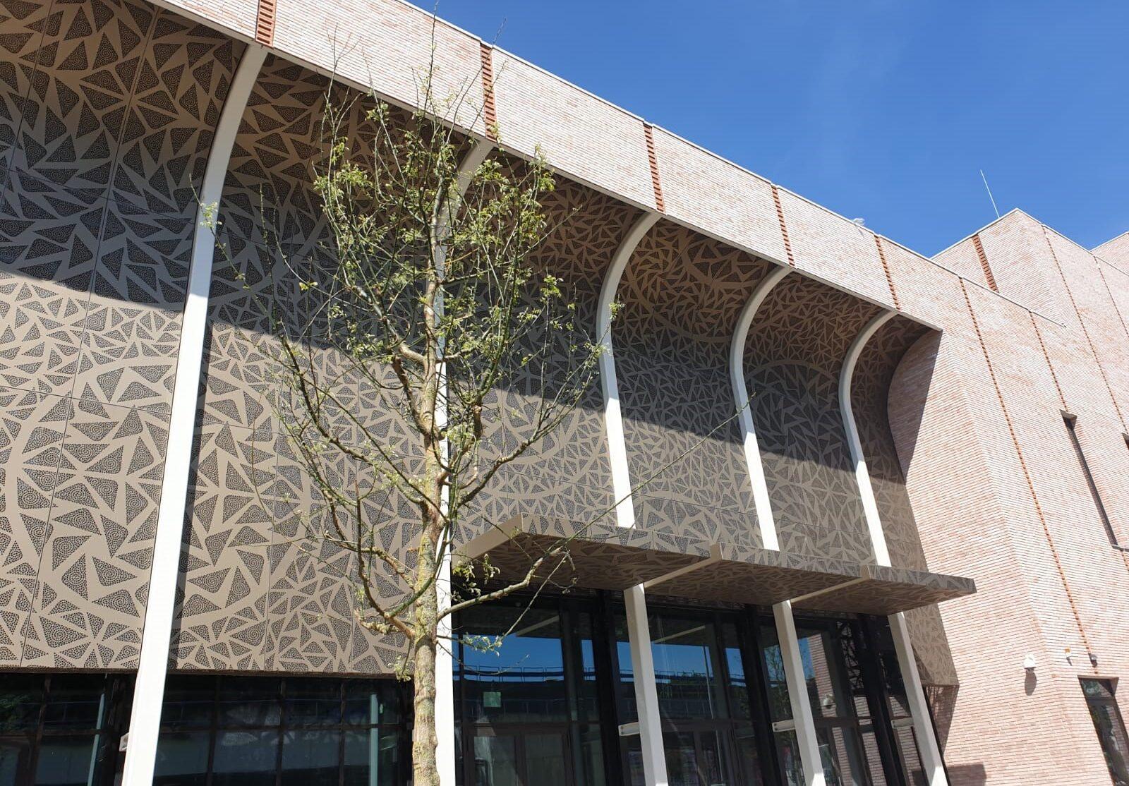 Theater Zuidplein Kunstenpand in Rotterdam opgeleverd