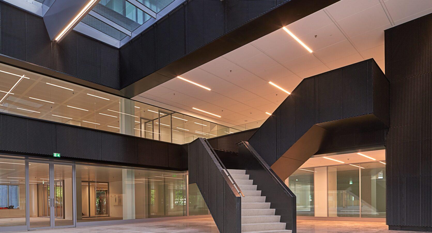 Fellenoord in Eindhoven MD Strekmetaal gevelbekleding interieur