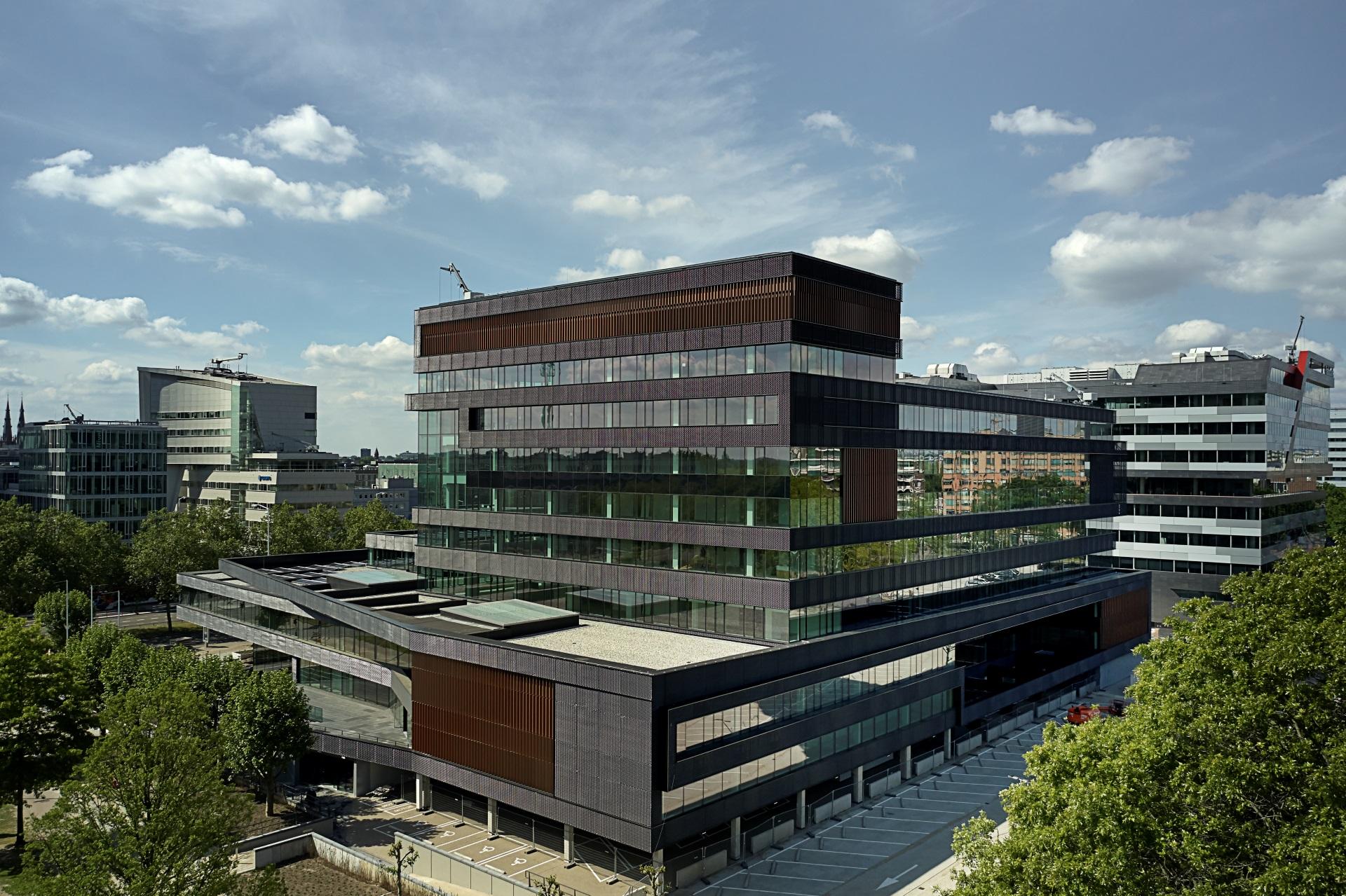 MD Strekmetaal gevelbekleding Fellenoord in Eindhoven overview